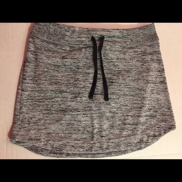 Athleta Dresses & Skirts - ATHLETA Skirt Gray Small